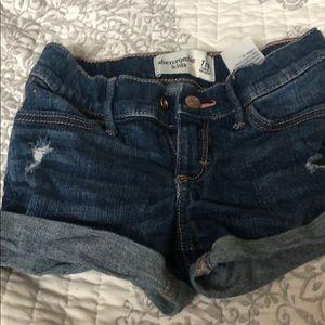 Abercrombie shorts size 7/8